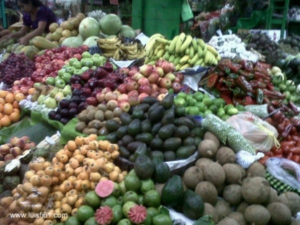 110106_mercado_central_guatemala_frutas