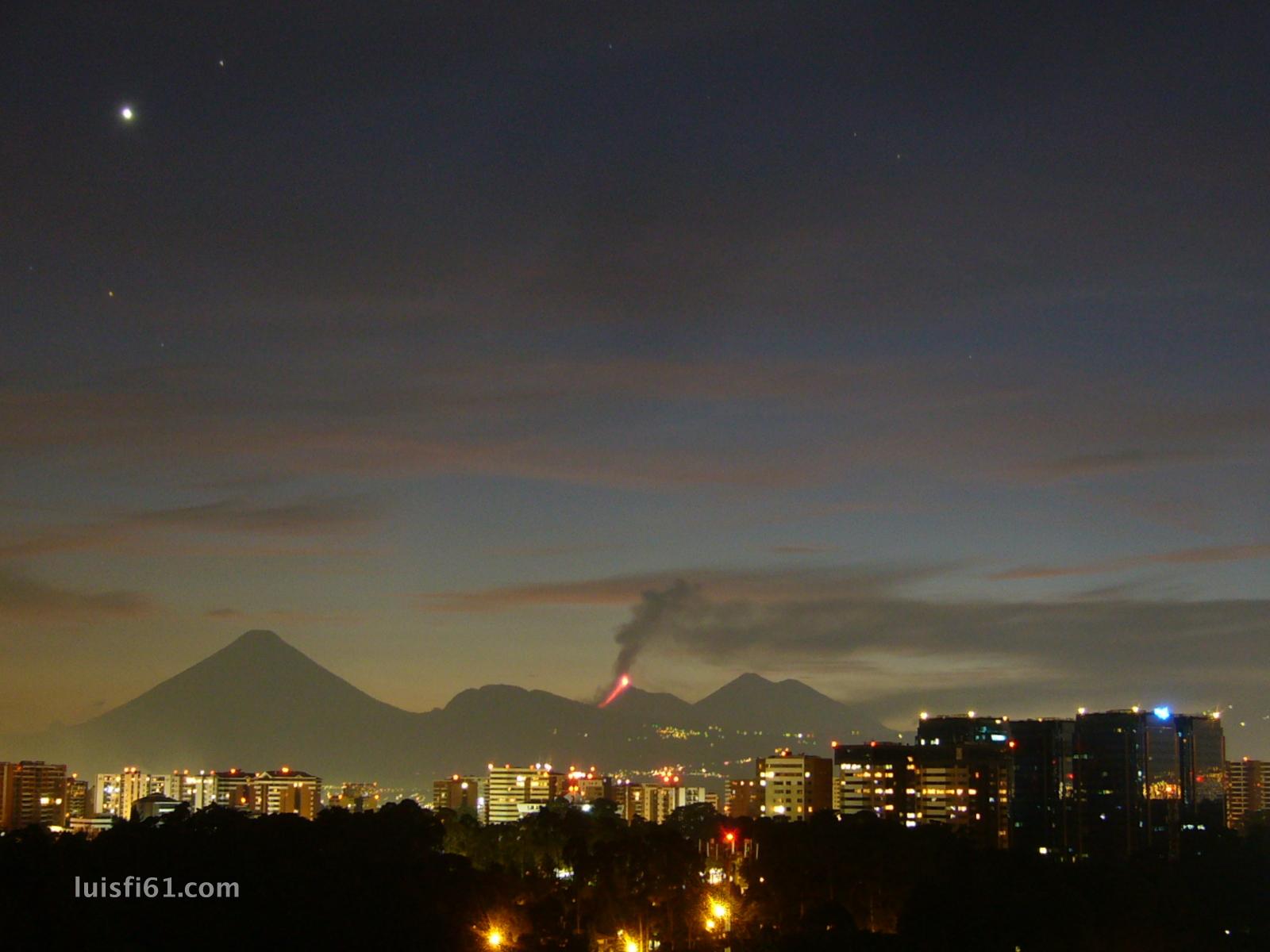 161029-volcan-de-fuego-venus-luis-figueroa